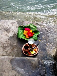 ganges-offering